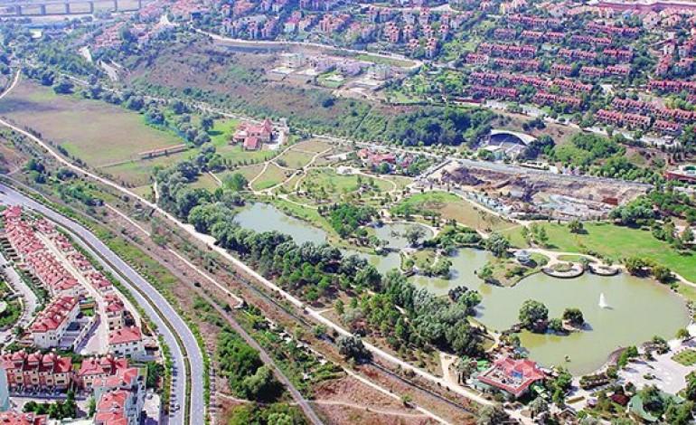 Bahçeşehir Göleti satılıyor