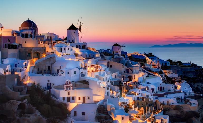 Yunanistan 120 Adayı Satışa Çıkarıyor