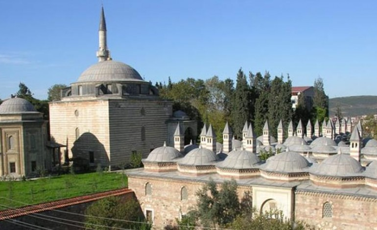 Mimar Sinan'ın Eseri 5 Asırlık Cami Duvarına Pisuvar