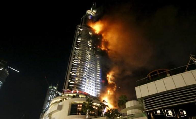 Havai Fişek Gösterisi İçin Hazırlanan The Address Hotel'de Yangın Çıktı