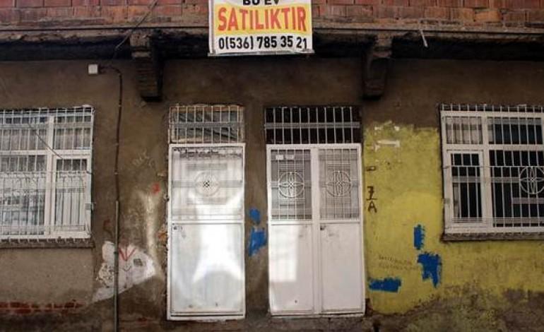 Sur'da satılık ve kiralık ev sayısı artış gösteriyor