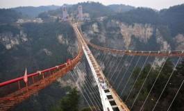 Dünyanın en yüksek ve en uzun cam köprüsü