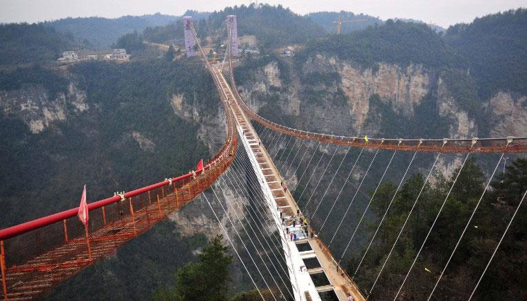 dünyanın en uzun cam köprüsü1