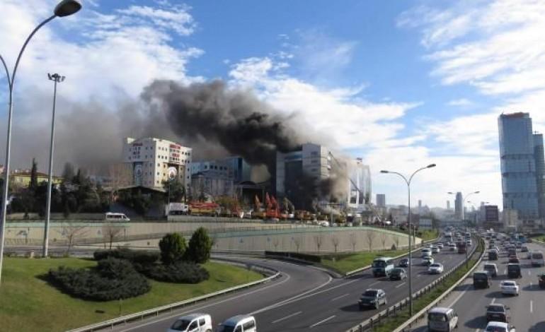 Maltepe'de Otel İnşaatında Yangın