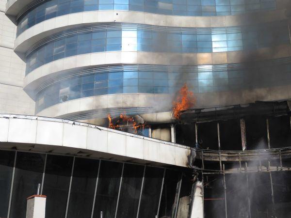 maltepe'de otel inşaatında yangın