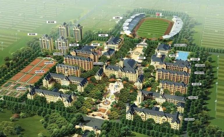 Tatil köyü gibi futbol tesisi