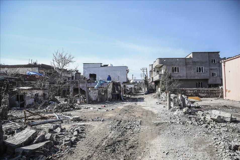 Cizre'nin yıkılan binaları