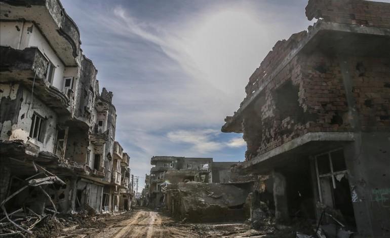 Operasyonların bittiği Cizre'den geriye kalan yıkılmış binalar