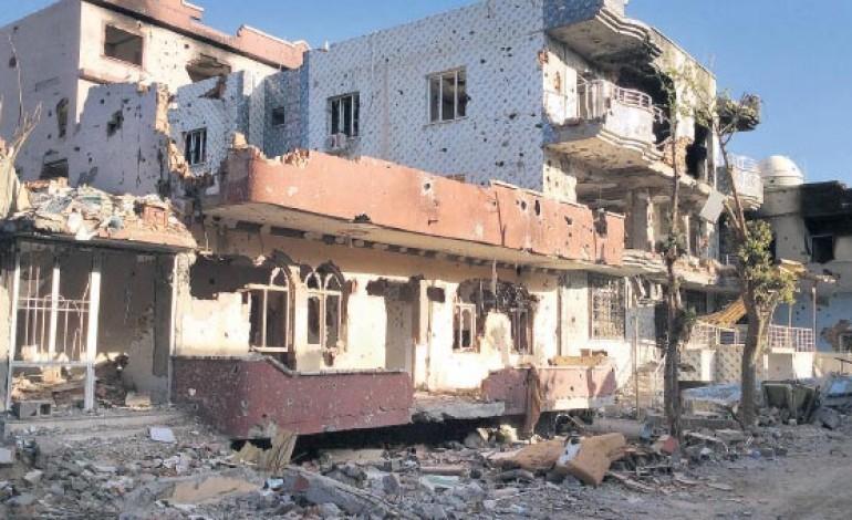 Cizre'de 2 bin 700 ağır hasarlı bina tespit edildi