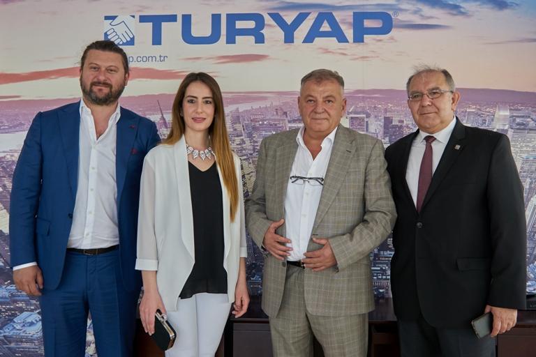 TURYAP YKÜ Mehmet Onur Sarıbay, Franchise Müdürü Aslı Baloğlu,Temsilci Beyazıd Memiş, GMY Oğuz Yarsoy
