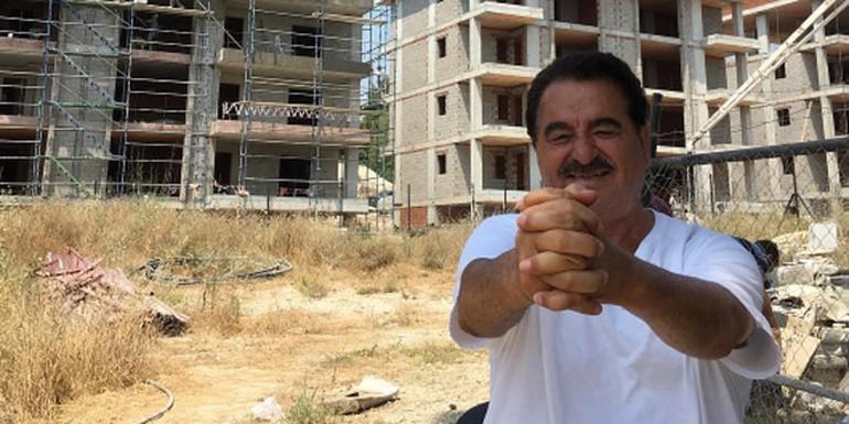 Ünlü türkücü İbrahim Tatlıses, Kuşadası'nda yapımı süren inşaat projesinden