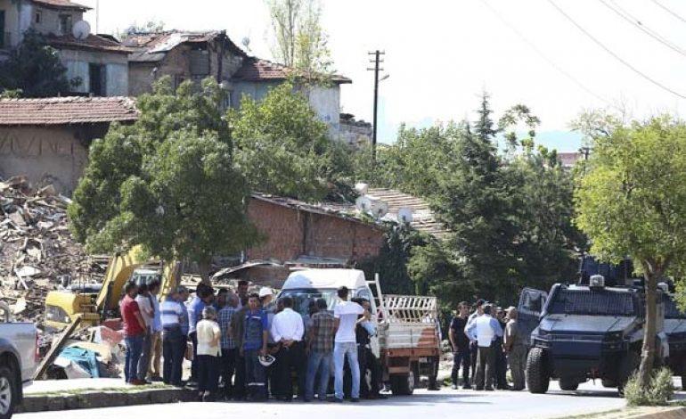 Ankara'da yıkıma giden ekiplere ateş açıldı