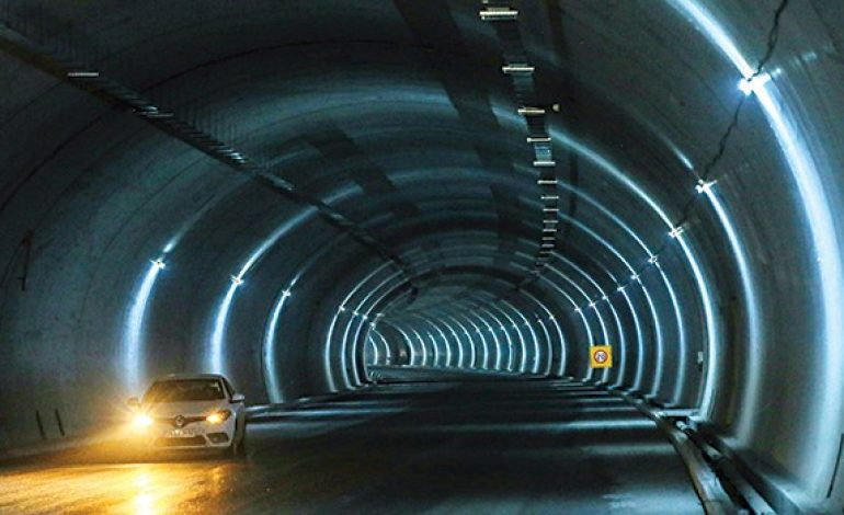 Gebze-Orhangazi-İzmir otoyolunun üçte ikisi bitti