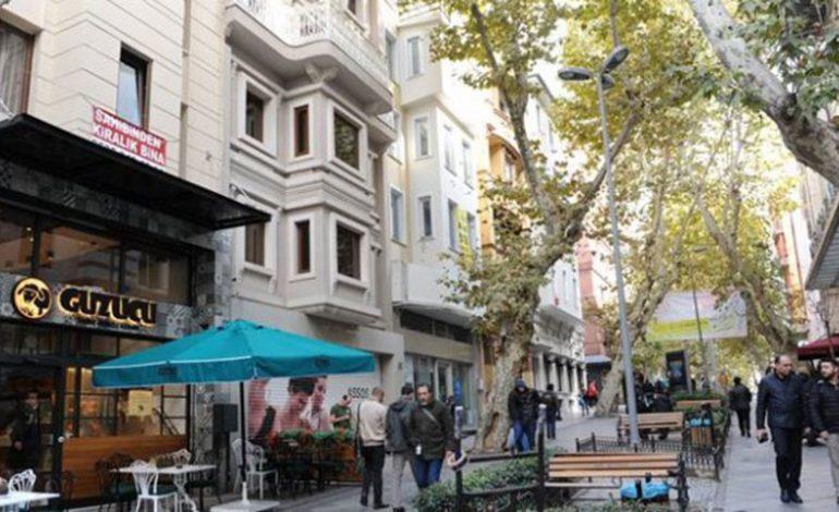 İstanbul'da Sıkıntıya Giren Üçüncü Cadde, Nuruosmaniye