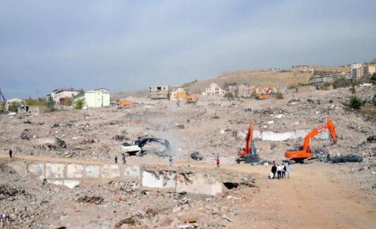 Şırnak'ta 2 bin 44 ev yıkıldı, 6 bin yeni konut yapılacak