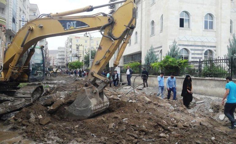 """Cizre'de """"Sokak Sağlıklaştırılması"""" projesi başlatıldı"""
