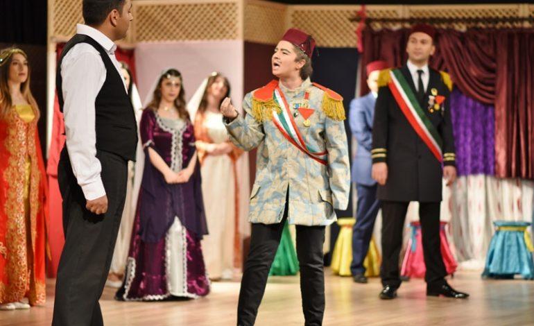 Kale Tiyatro Kulübü Asma Kilit, Kaçuv Yararına Sahne Aldı