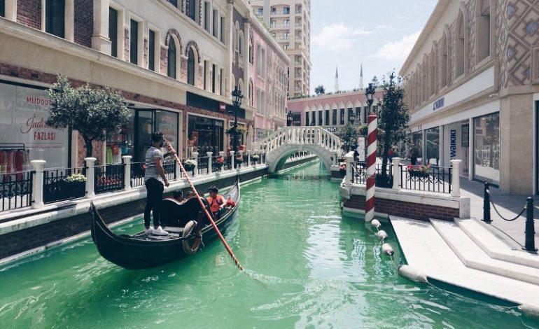 Venezia Mega Outlet'e Turist Akını