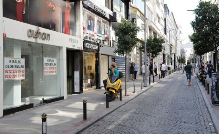 Osmanbey'de iki dükkandan biri kiralık