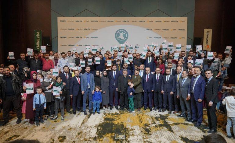 Eminevim Konya'da 132 Aileye Tapularını Verdi