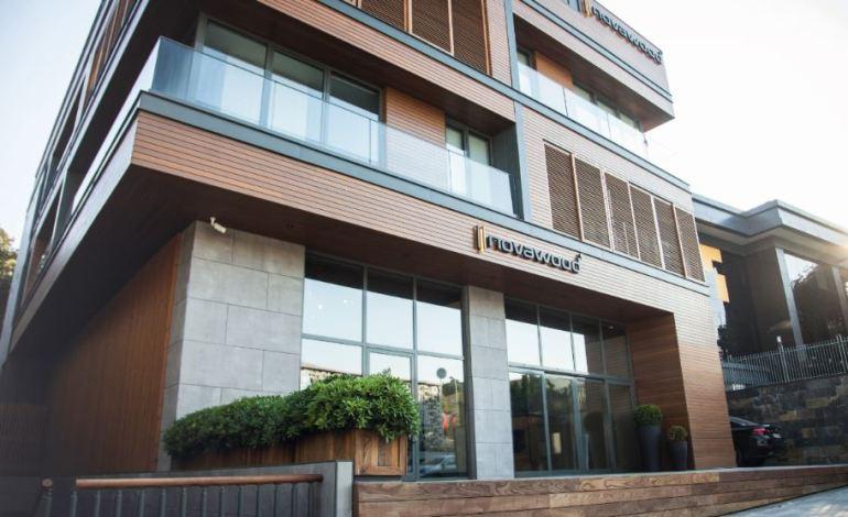 Studio Vertebra'dan Çok Fonksiyonlu ve Ödüllü Tasarım: Novawood Ofis ve Showroom Binası