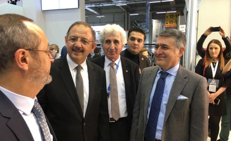 Çevre ve Şehircilik Bakanı Özhaseki, ISK-SODEX'te Ode Yalıtım Standını Ziyaret Etti