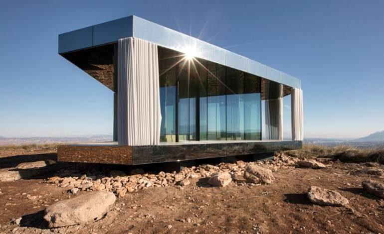 "Guardian Glass'tan Doğa İle Mükemmel Uyum Sağlayan Çöl Evi: ""La Casa del Desierto"""