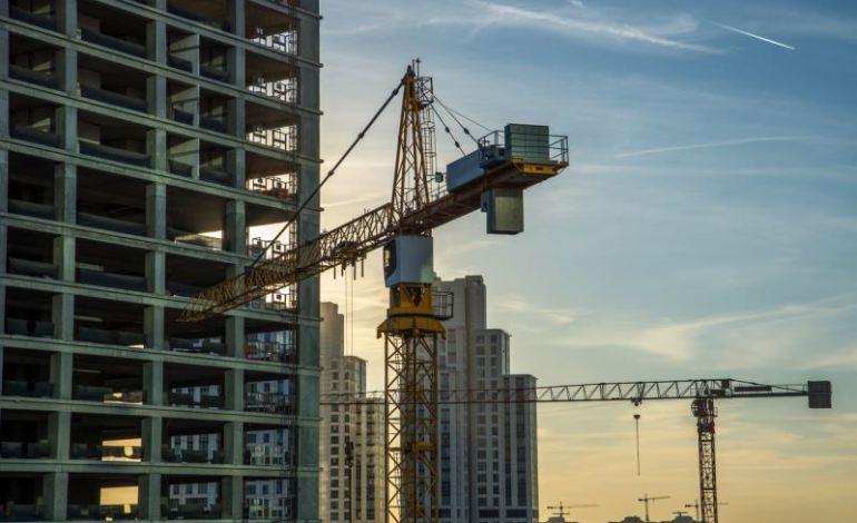 Talep Yetersizliği ve Finansman Sorunları Müteahhitlerin Yeni İnşaat İşlerini Sınırlıyor