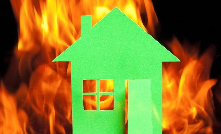 Yanmaz özellikli ısı yalıtım malzemeleri yangının yayılmasını önlüyor