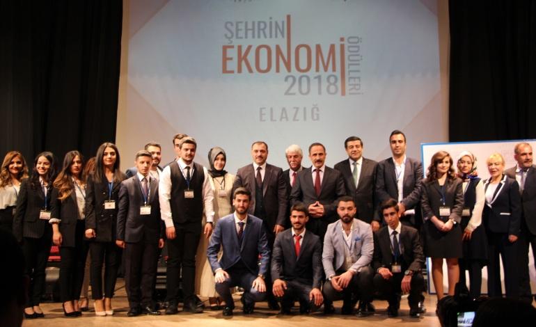 """Seza Çimentoya """"En Büyük Yatırım"""" Ödülü"""