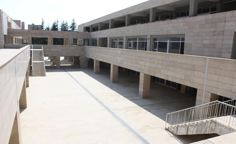 TOKİ, Bitlis'te 201 adet iş yerini satışa sundu