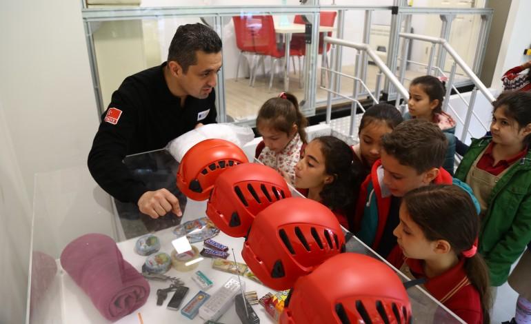 Kadıköy Belediyesi'nden Çocuklara Afet Eğitimi