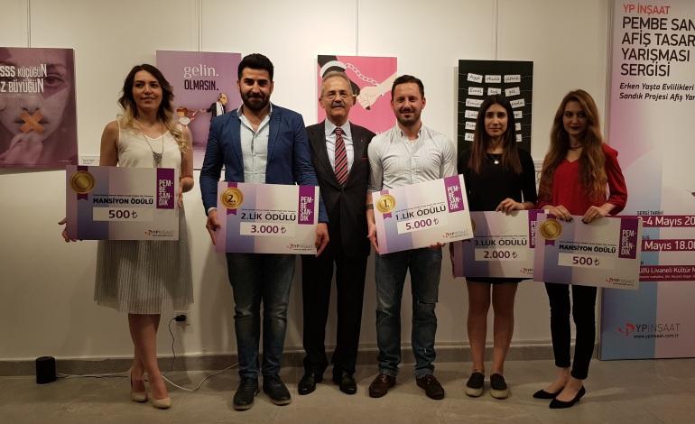 """""""Pembe Sandık""""tan """"özgürlük"""" çıktı"""