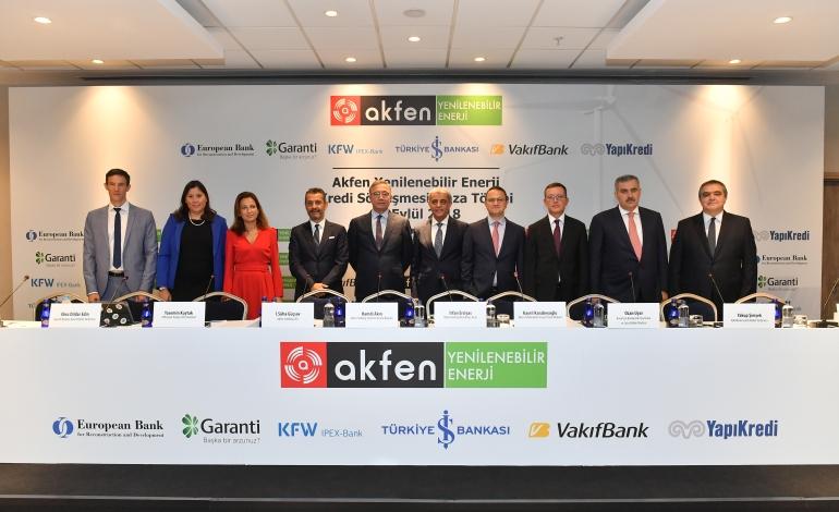 Akfen Türkiye'nin En Büyük Rüzgar ve Güneş Santrali Kredisini Aldı