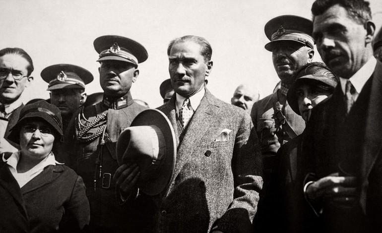 Folkart'ta Atatürk Resimleri Sergisi