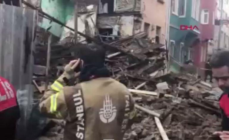 Fatih Balat'ta Bina Çöktü