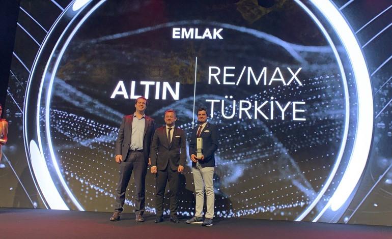 """RE/MAX Türkiye, üçüncü kez üst üste """"Social Media Awards Altın Ödülü"""" kazandı"""
