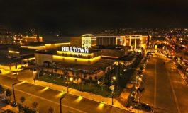 İzmir'in yeni cazibe merkezi Hilltown Karşıyaka kapılarını açtı