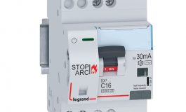 'AFDD*' ile yangına sebebiyet verebilen elektrik sistemlerindeki hatalar sona eriyor