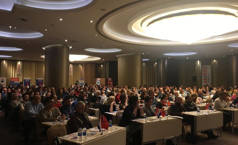 RE/MAX Türkiye kariyer semineri İzmir'de gerçekleşti